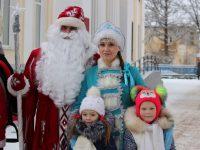 Дед Мороз въехал в район верхом на лошади