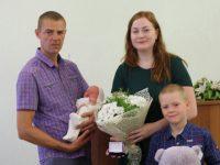 Комсомольчанин стал 5000-ым ребенком, родившимся в области