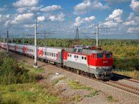 Многодетные семьи летом получат скидку на проезд в поездах дальнего следования