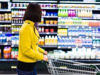 Покупателю надо ответственно выбирать продукты