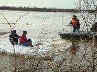 Не допускайте детей к реке без надзора
